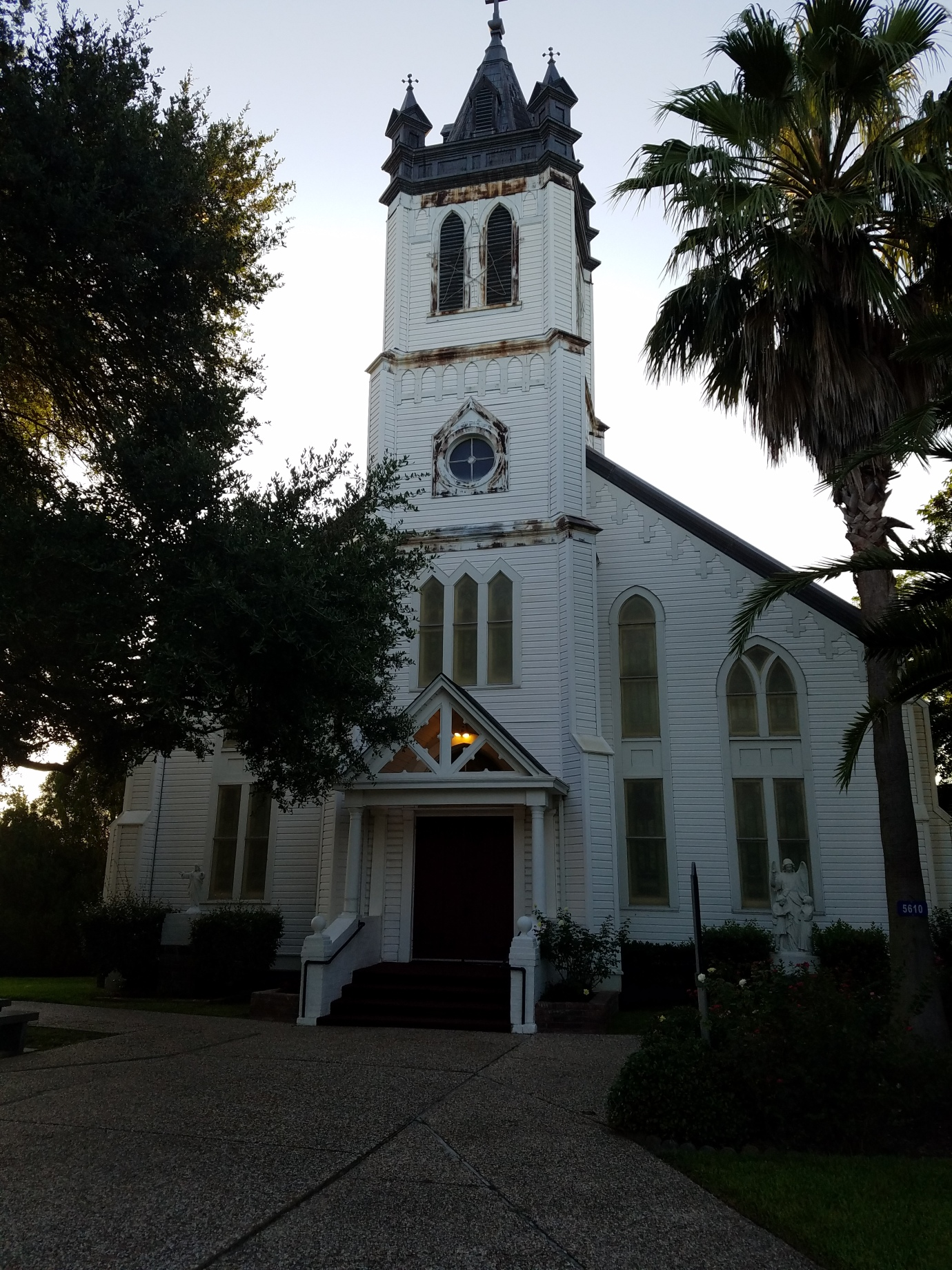 Guardian Angel Catholic Church, Wallis, Texas | Breton Travels